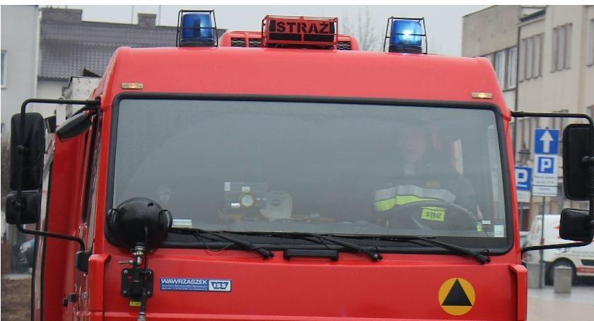Pożary, Pożar samochodu Placu Pawła Ciechanowie - zdjęcie, fotografia