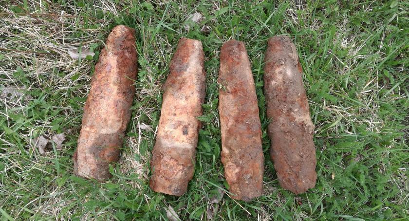 Pozostałe Zdarzenia, Ciechanowem znaleziono pociski artyleryjskie Wezwano saperów - zdjęcie, fotografia