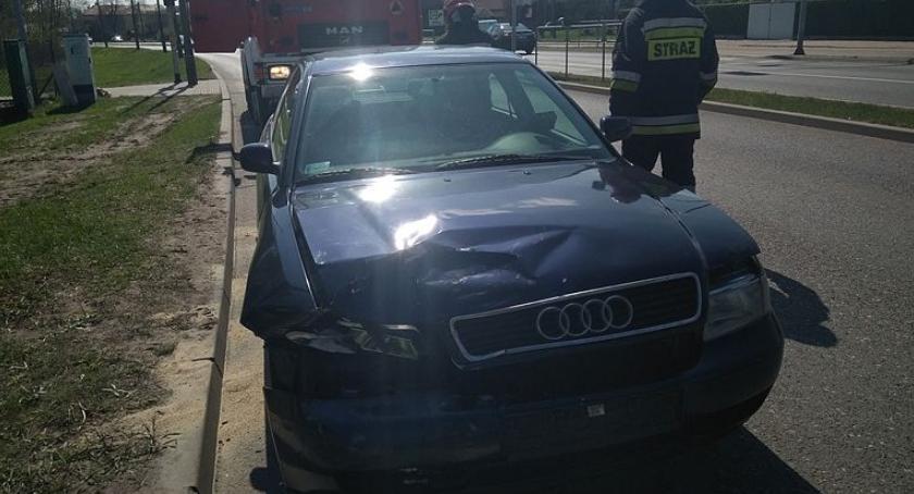 Wypadki drogowe, Zderzyli Tatarskiej podczas zmiany ruchu [zdjęcia] - zdjęcie, fotografia
