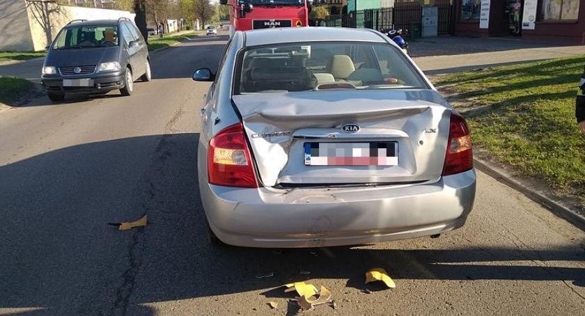 Wypadki drogowe, Mieszkanka Ciechanowa poszkodowana wypadku Batalionów Chłopskich [zdjęcia] - zdjęcie, fotografia