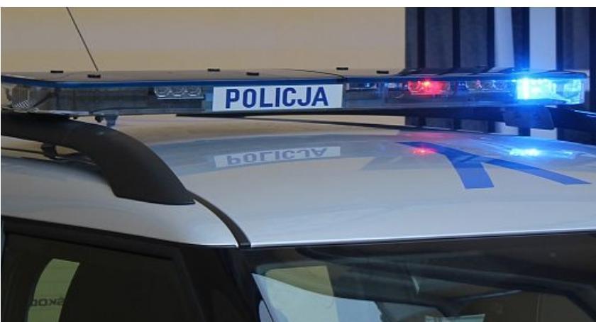 Wypadki drogowe, Kierowca Volkswagena potrącił pieszego Ciechanowem - zdjęcie, fotografia
