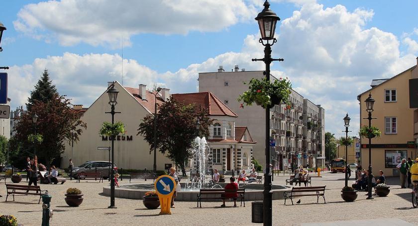 Inwestycje, Kwiaty zieleń centrum Ciechanowa [zdjęcia] - zdjęcie, fotografia