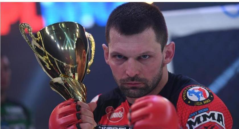 MMA, Sześć sześć! Szymon Kołecki znowu nokautuje [wideo] - zdjęcie, fotografia