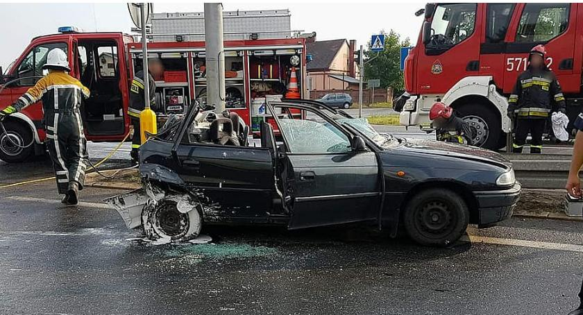 Wypadki drogowe, AKTUALIZACJA Wypadek krajówce Jedna osoba żyje [zdjęcia] - zdjęcie, fotografia