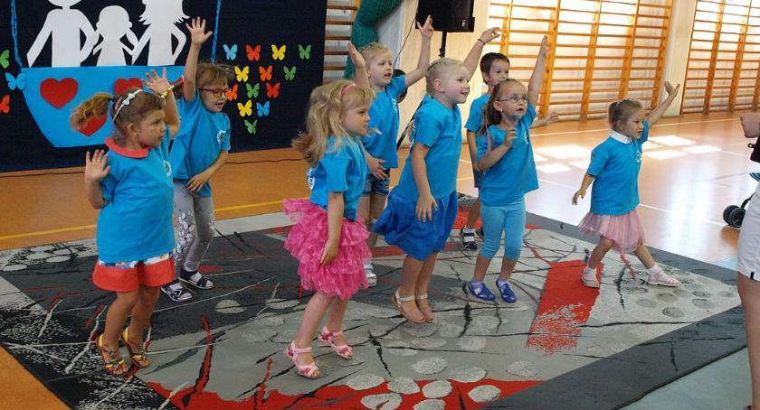 Edukacja, Przedszkole Glinojecku zorganizowało festyn rodzinny [zdjęcia] - zdjęcie, fotografia