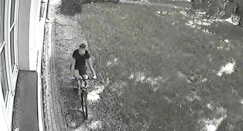 Poszukiwani/Zaginieni, AKTUALIZACJA Napadł parku kobietę Poszukuje ciechanowska policja [wideo/zdjęcia] - zdjęcie, fotografia