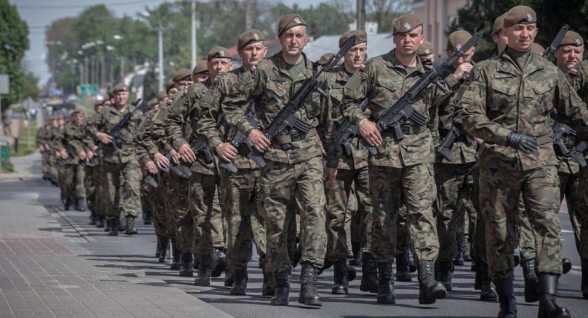 Wojsko, Cały można zgłaszać Mazowieckiej Brygady Wojsk Obrony Terytorialnej - zdjęcie, fotografia