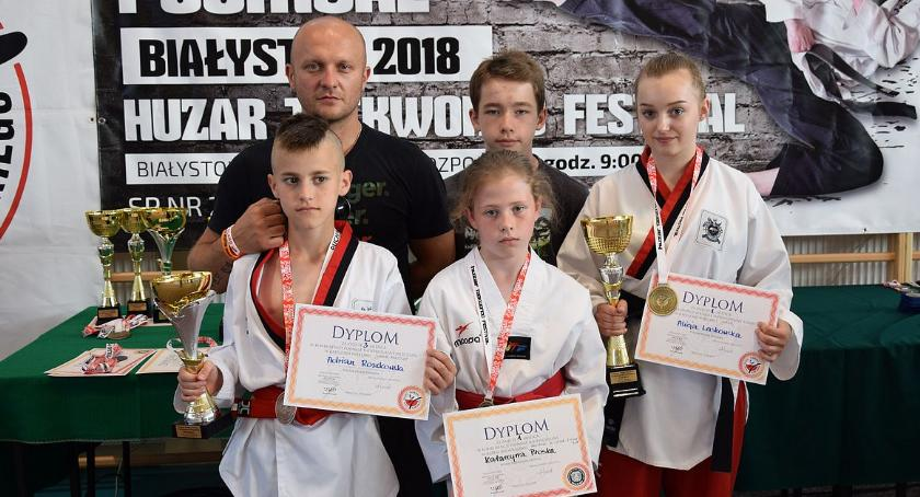 Taekwondo, Zawodnicy Promyk Ciechanów medalistami zawodów Pucharu Polski - zdjęcie, fotografia