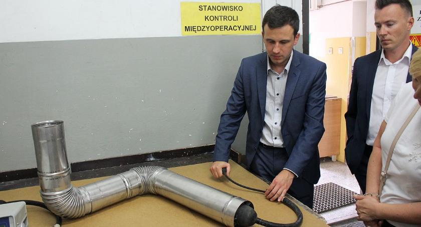 Społeczeństwo, Jawar zaprezentował najnowsze badania opracowaniem innowacyjnego komina [zdjęcia] - zdjęcie, fotografia