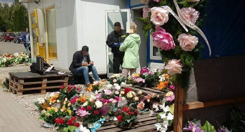 Interwencje, Wasze Nocne włamania obiektów handlowych cmentarzu Ciechanowie [zdjęcia] - zdjęcie, fotografia