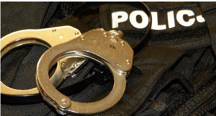 Sprawy kryminale , Napad rabunkowy Blokach Policja zatrzymała dwóch mieszkańców Ciechanowa - zdjęcie, fotografia