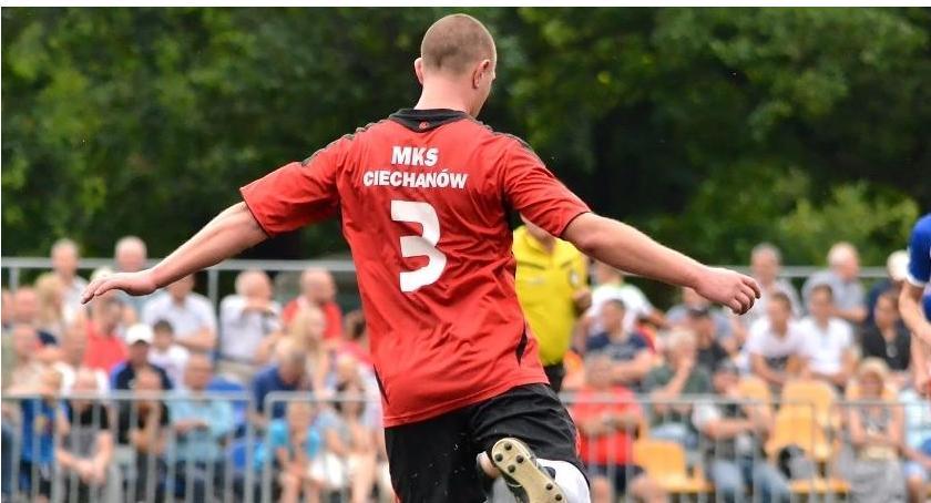 Piłka Nożna, Ciechanów rozpoczyna letnie sparingi Pierwszy sobotę - zdjęcie, fotografia