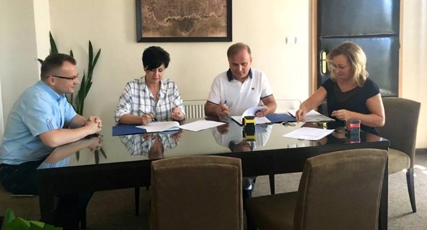 Inwestycje, Umowy podpisane Krzywa Piłsudskiego przejdą rewitalizację - zdjęcie, fotografia