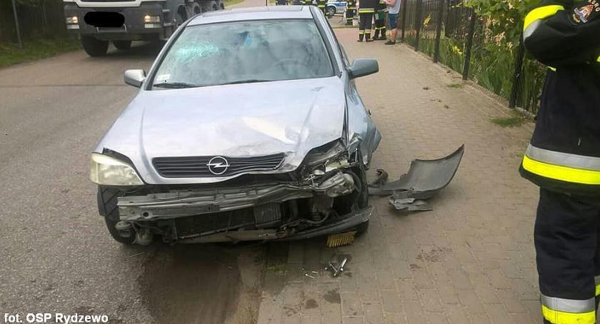 Wypadki drogowe, Poranne zderzenie osobówek Ciechanowem [zdjęcia] - zdjęcie, fotografia