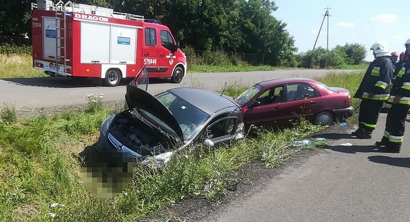 Wypadki drogowe, Zderzenie osobówek Ranni kierowcy [zdjęcia] - zdjęcie, fotografia