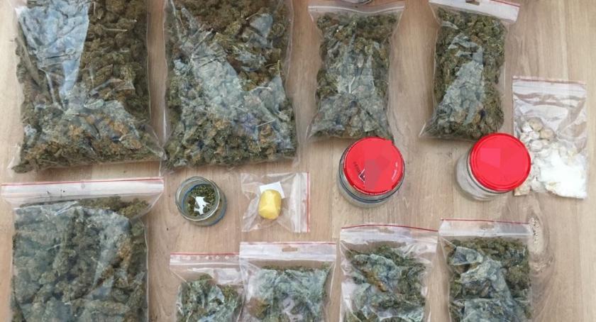 Sprawy kryminale , Zatrzymali pięć osób przejęli narkotyków [zdjęcia] - zdjęcie, fotografia
