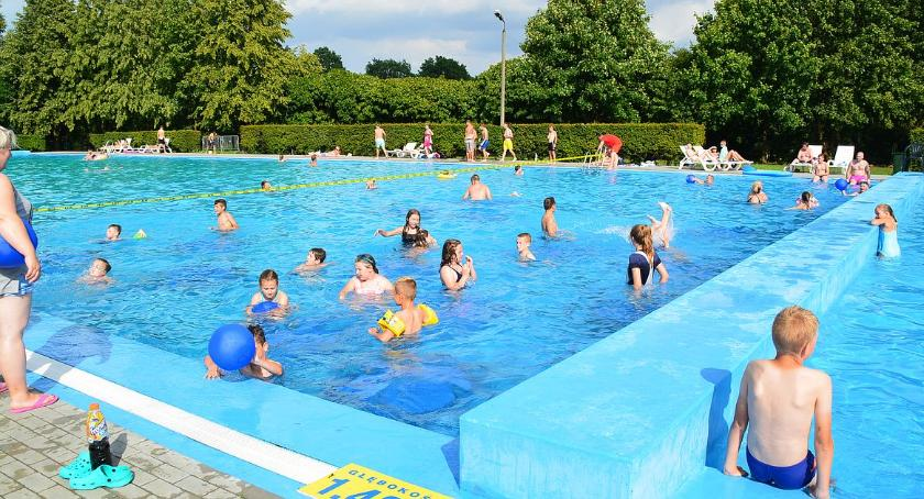Pływanie, Wydłużono godziny otwarcia basenu odkrytego kąpieliska Krubin - zdjęcie, fotografia