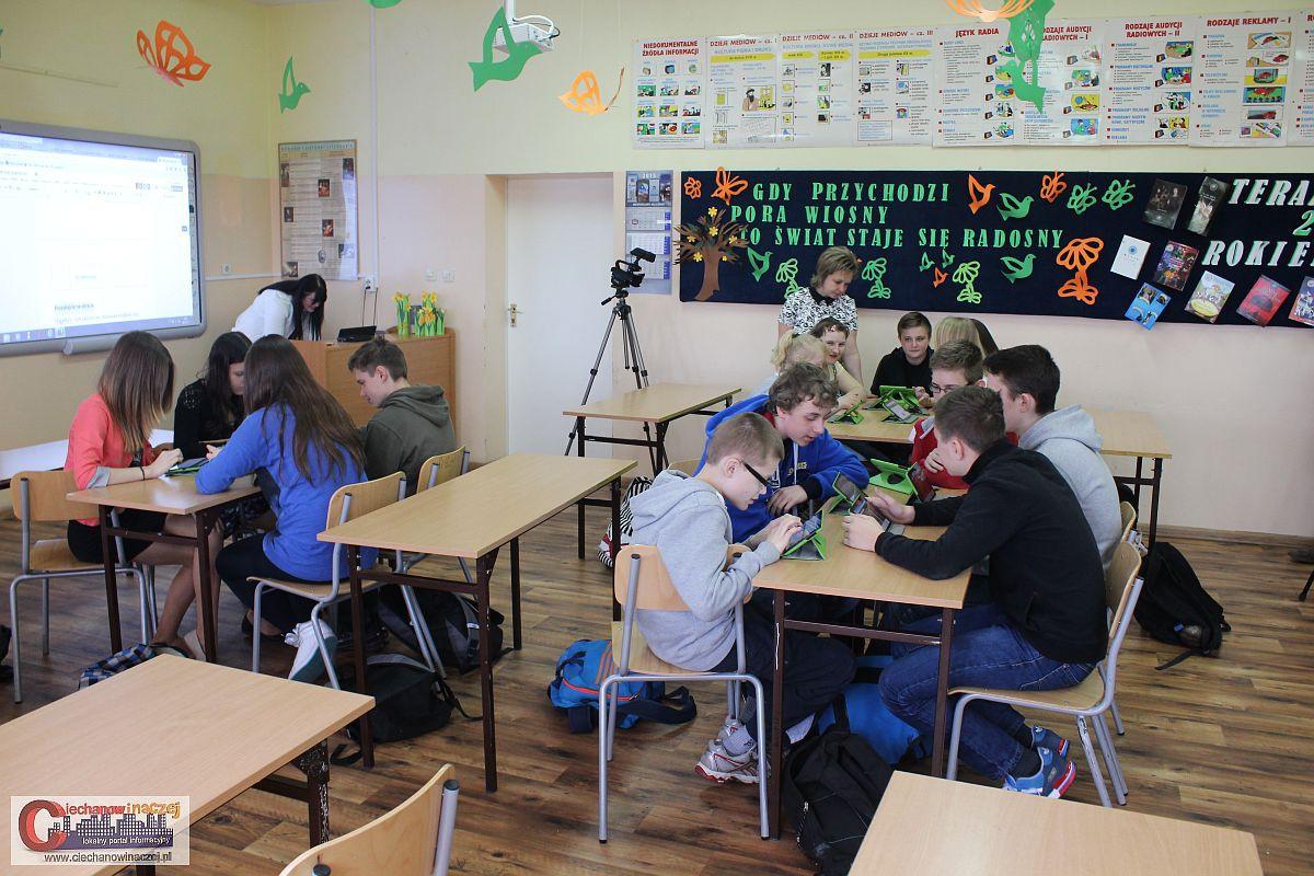 Edukacja, Gimnazjum odbyła pokazowa lekcja ramach projektu tornister (zdjęcia/wideo) - zdjęcie, fotografia
