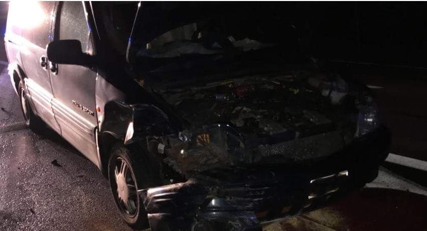 Wypadki drogowe, Chevrolet uderzył Mazdę cukrowni [zdjęcia] - zdjęcie, fotografia