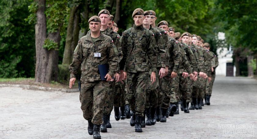 Wojsko, Ciechanowskie koszary otworzą kolejnych Terytorialsów - zdjęcie, fotografia