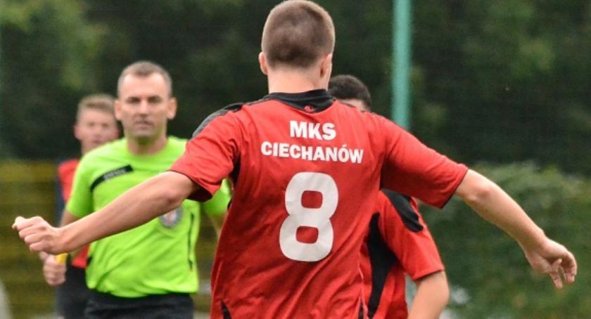Piłka Nożna, Mazovia dała szans Ciechanów - zdjęcie, fotografia