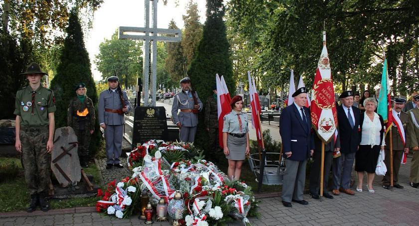 Rocznice, Ciechanowie upamiętnią rocznicę agresji Polskę - zdjęcie, fotografia