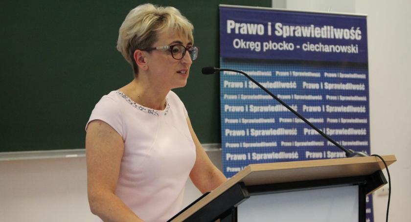 Wybory, przedstawiło kandydatów wójtów burmistrza gminach ciechanowskiego - zdjęcie, fotografia