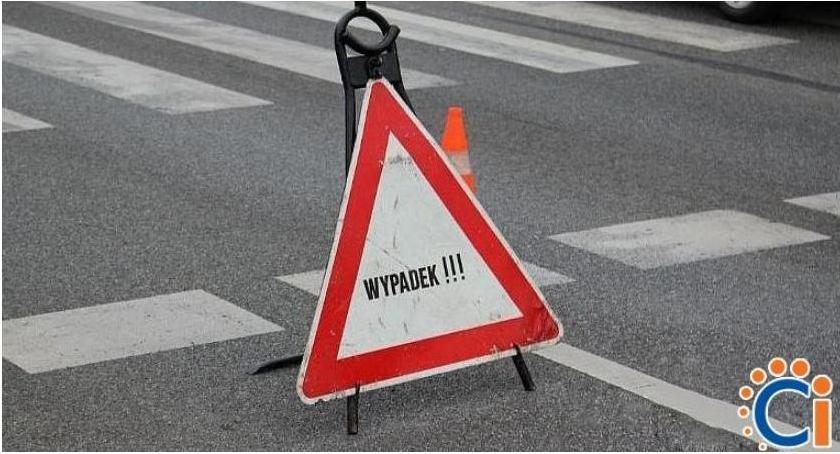Wypadki drogowe, Zderzenie samochodów Mławskiej - zdjęcie, fotografia