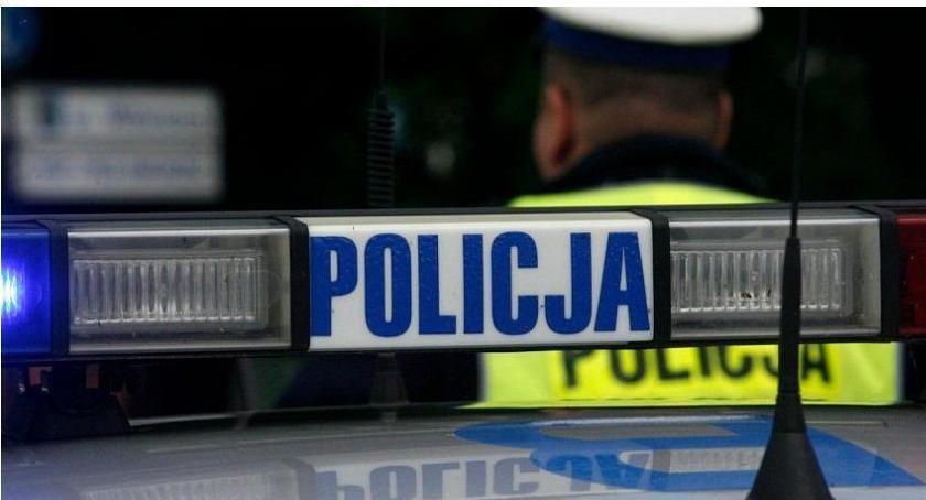 Wypadki drogowe, Pijany uderzył Lanosem ogrodzenie Trafił szpitala - zdjęcie, fotografia
