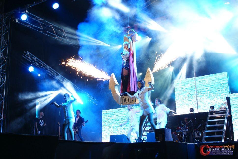 Koncerty, Widowiskowy koncert zamkowych błoniach (zdjęcia) - zdjęcie, fotografia