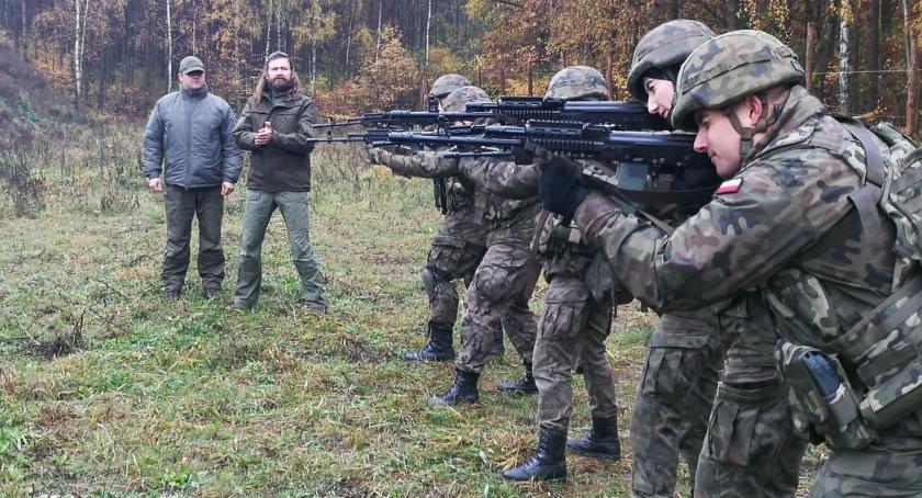 Wojsko, Ciechanowscy Terytorialsi szkolą Czarnotach Targoniach [zdjęcia] - zdjęcie, fotografia