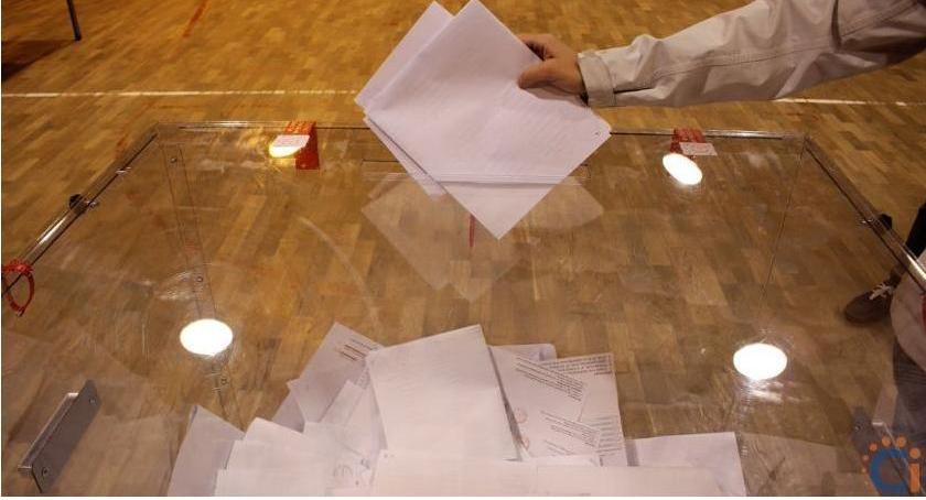 Wybory, Druga wyborów oficjalna frekwencja powiecie ciechanowskim - zdjęcie, fotografia
