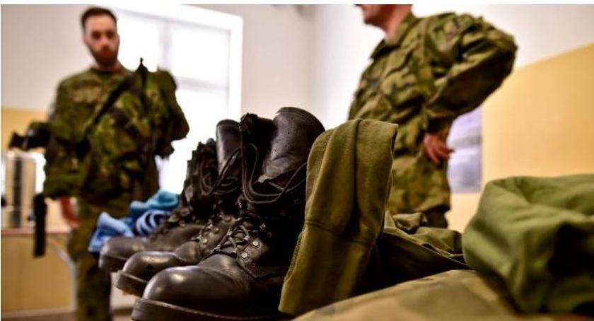 Wojsko, Koszary Ciechanowie otworzą kolejnych ochotników - zdjęcie, fotografia