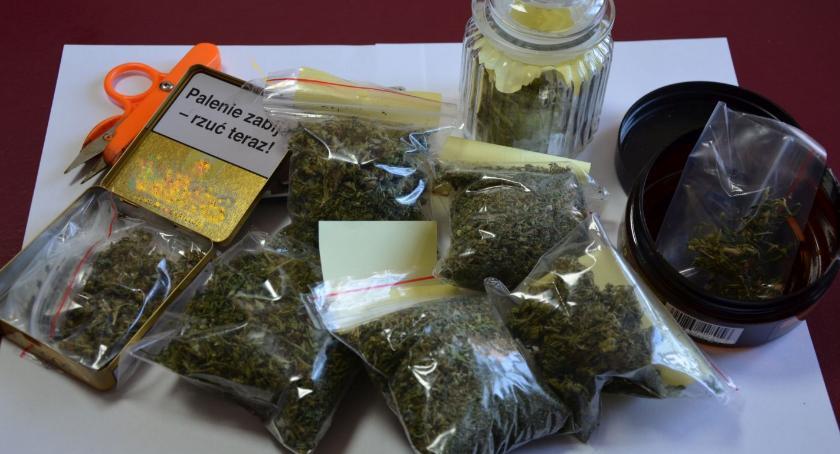 Sprawy kryminale , Podczas kontroli drogowej znaleźli narkotyki Zatrzymali latka - zdjęcie, fotografia