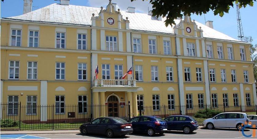 Społeczeństwo, Policjanci masowo zwolnienia Wirus dotarł Ciechanowa - zdjęcie, fotografia