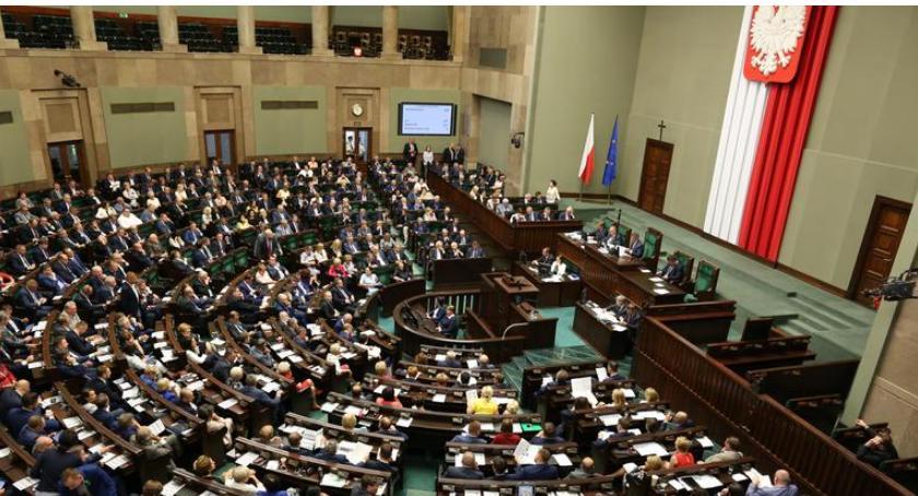 Komunikaty, zdecydował listopada dniem wolnym zakazem handlu - zdjęcie, fotografia
