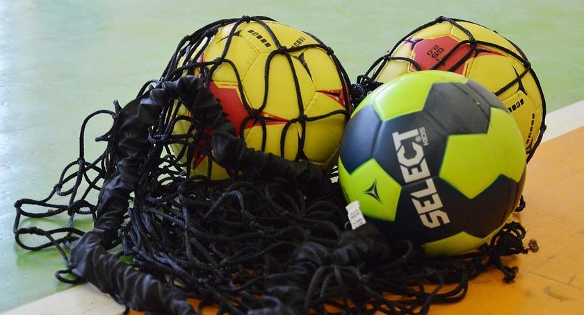 Piłka Ręczna, Jurand uległ derbach Mazurowi - zdjęcie, fotografia