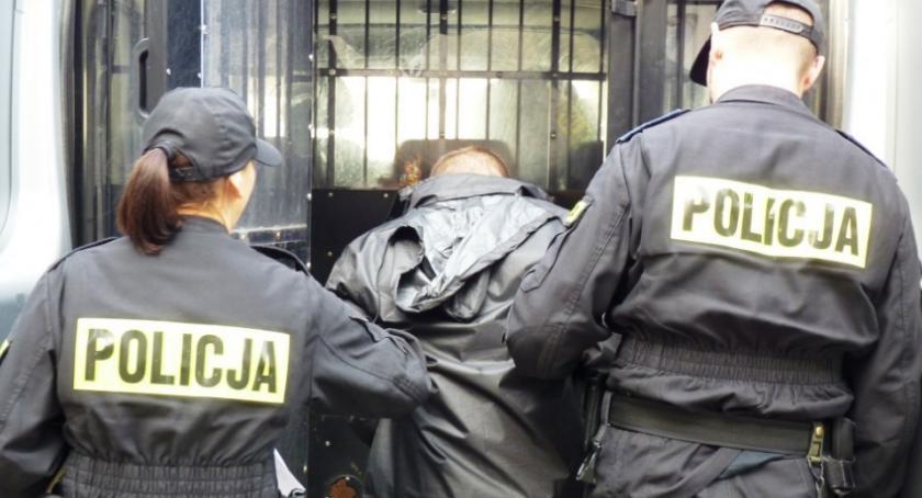 Sprawy kryminale , Tatarskiej nastolatek napadł kobietę - zdjęcie, fotografia