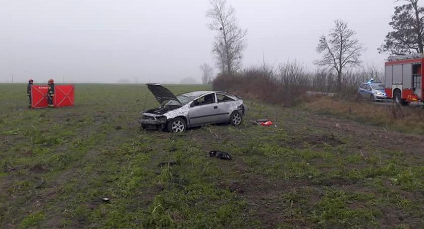 Wypadki drogowe, wypadł drogi dachował Zginęła młoda kobieta - zdjęcie, fotografia