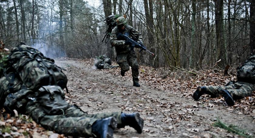Wojsko, Ostatnia szesnastka rozpoczęła szkolenie [zdjęcia] - zdjęcie, fotografia