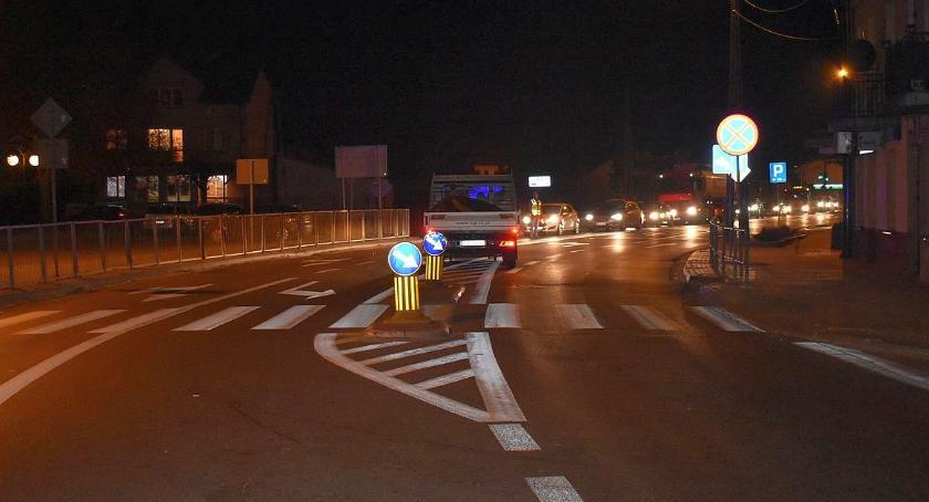 Wypadki drogowe, Nastolatka potrącona przejściu pieszych - zdjęcie, fotografia