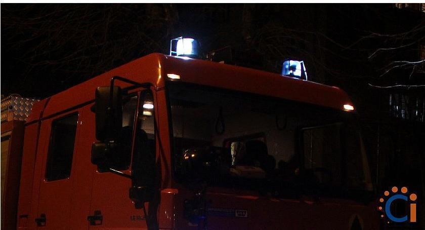 Pożary, Nocny pożar samochodu Ciechanowie - zdjęcie, fotografia