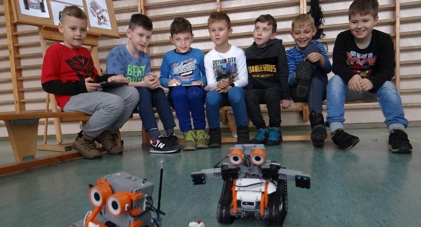 Edukacja, Roboty szkole czyli Dzień Nowych Technologii [zdjęcia] - zdjęcie, fotografia