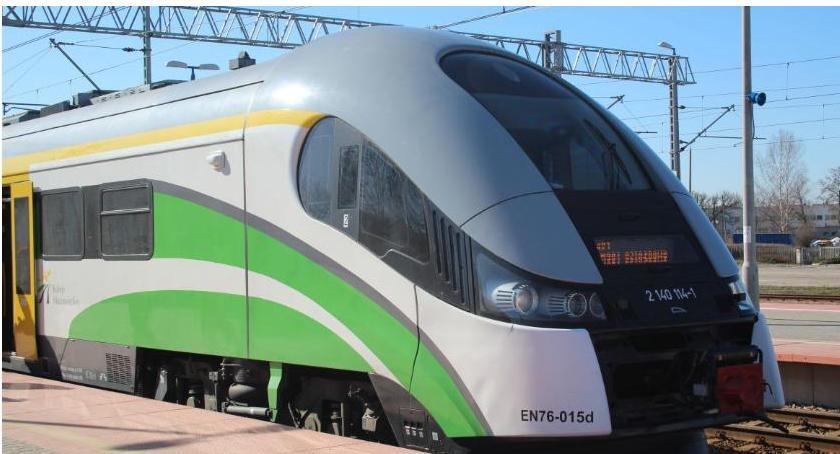 Komunikacja Publiczna, niedzielę wchodzi życie rozkład jazdy pociągów - zdjęcie, fotografia