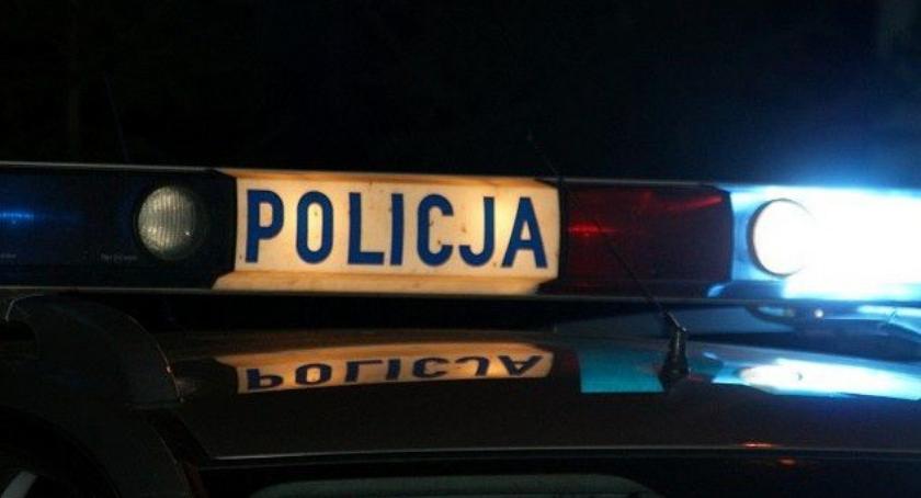 Wypadki drogowe, Omijał pieszego zderzył dwoma pojazdami stanęło płomieniach - zdjęcie, fotografia