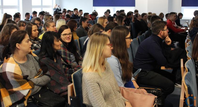 Edukacja, odbyły Akademickie Targi Pracy [zdjęcia] - zdjęcie, fotografia