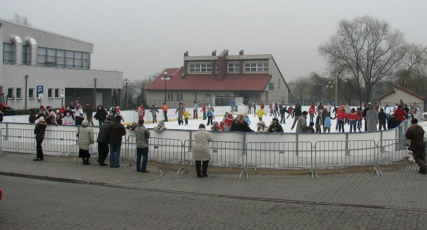 Inne Sporty, Dziś otwarcie miejskiego lodowiska Ciechanowie - zdjęcie, fotografia