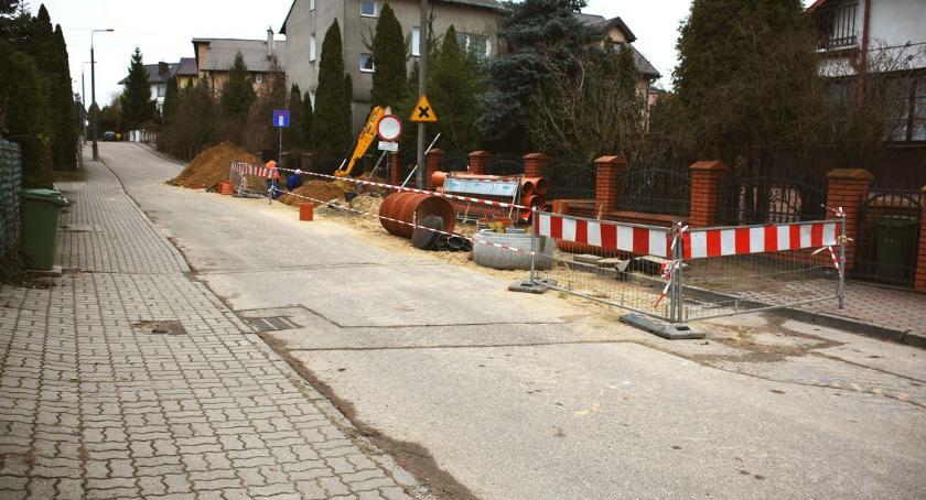 Inwestycje, osiedlu Zachód ruszyła przebudowa ulicy - zdjęcie, fotografia