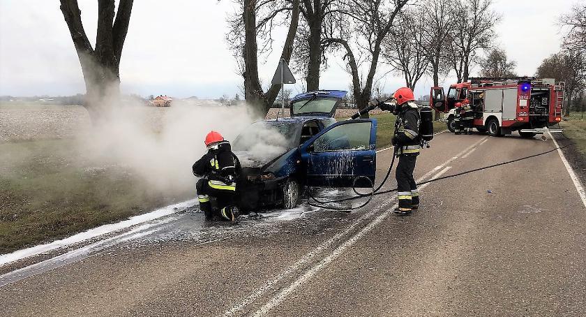 Pożary, zapalił podczas jazdy [zdjęcia] - zdjęcie, fotografia