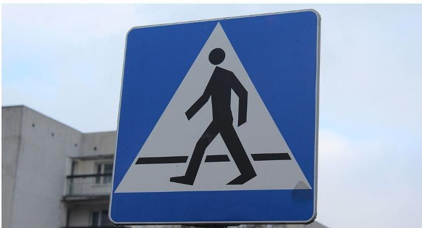 Wypadki drogowe, Potrącenie pieszego pętli miejskiej - zdjęcie, fotografia